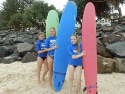 "International Students ""Hit the surf"""